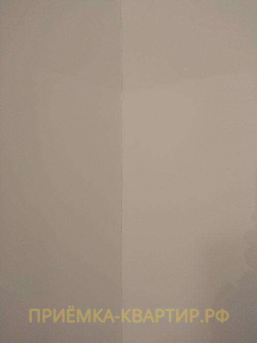 Приёмка квартиры в ЖК Колпино: трещины на стенах