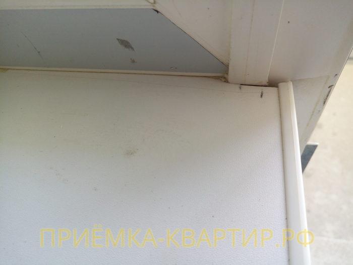 Приёмка квартиры в ЖК Краски Лета: поцарапан и не правильно подрезан подоконник