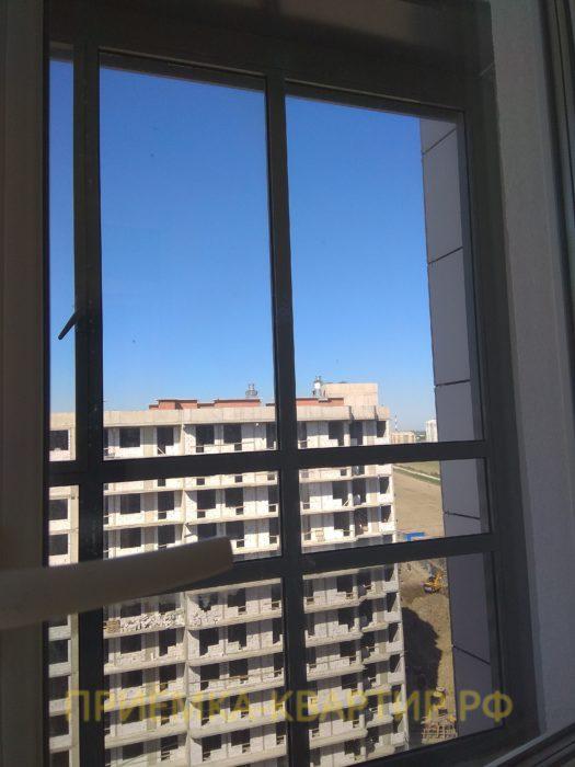 Приёмка квартиры в ЖК Светлановский: царапины на стеклопакете (под замену 6 стеклопакетов)