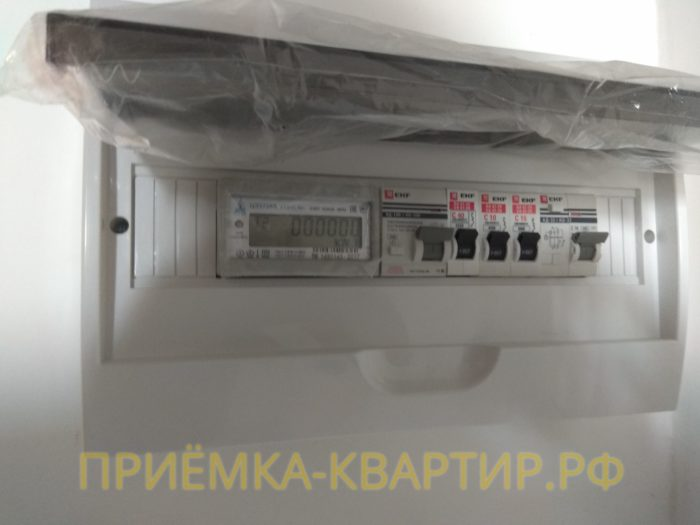 Приёмка квартиры в ЖК Краски Лета: нет схемы и не подписаны автоматы в электрощите