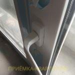 Приёмка квартиры в ЖК Прогресс: требуется регулировка балконной створки, повреждена ручка