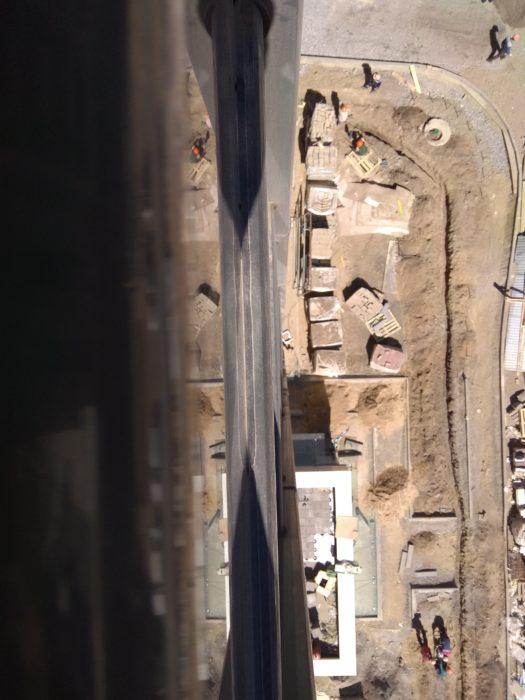 Приёмка квартиры в ЖК Лайф Приморский: замята уплотнительная резинка на балконном профиле