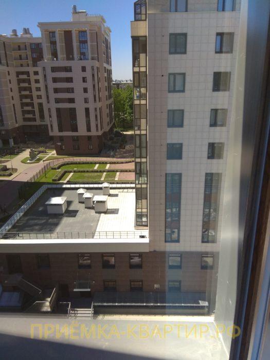 Приёмка квартиры в ЖК Лайф Приморский: поцарапан стеклопакет (4 шт.)