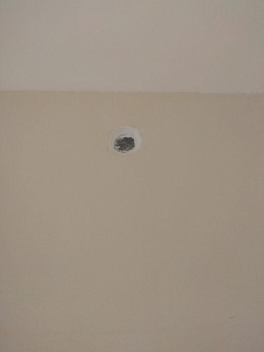 Приёмка квартиры в ЖК Новое Янино: не качественная установка заглушки распределительной коробки