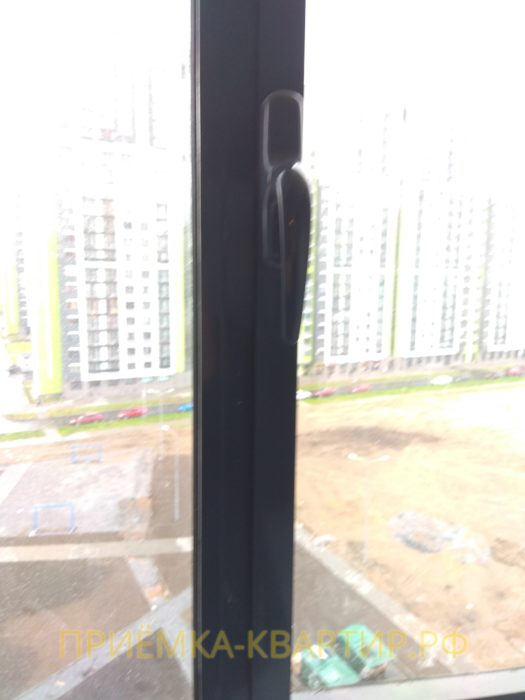 Приёмка квартиры в ЖК Шуваловский: необходима регулировка балконной створки
