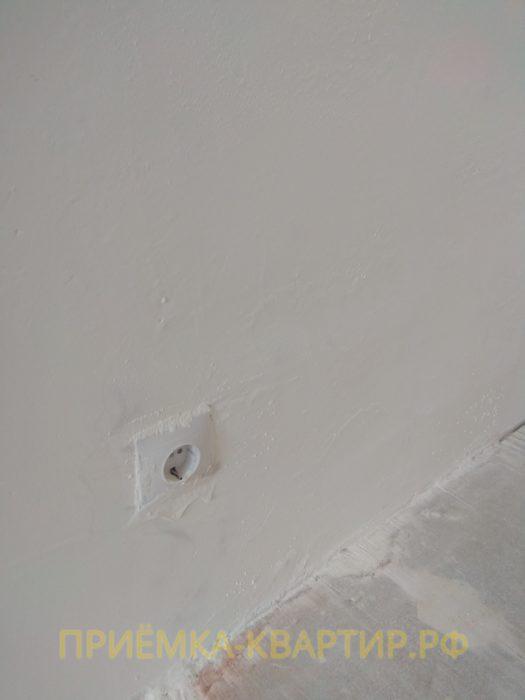 Приёмка квартиры в ЖК Три Кита: плохо ошкурена стена