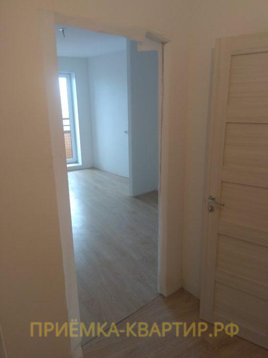 Приёмка квартиры в ЖК Муринский Посад: отсутствует межкомнатная дверь и плинтуса