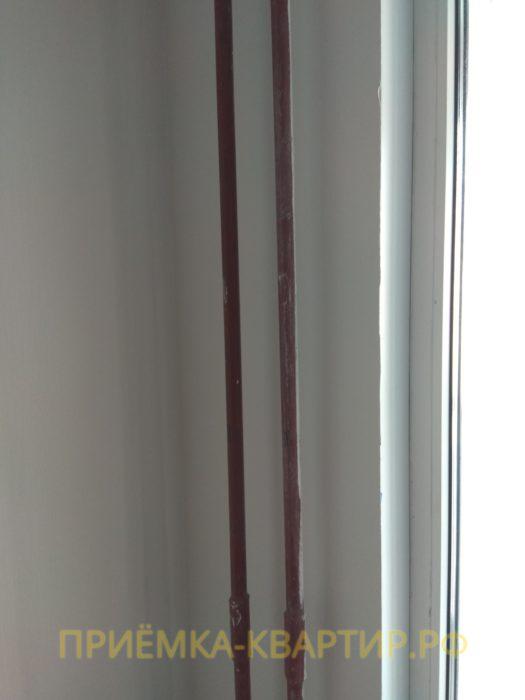 Приёмка квартиры в ЖК О Юность: не окрашены трубы радиатора отопления