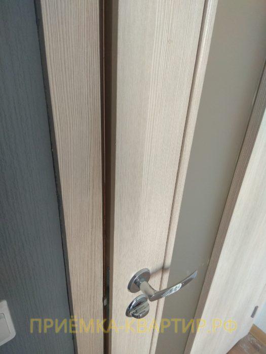 Приёмка квартиры в ЖК О Юность: дверная коробка цепляется за дверное полотно