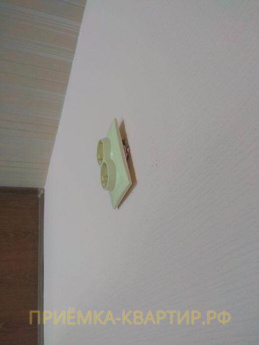 Приёмка квартиры в ЖК О Юность: не закреплена розетка