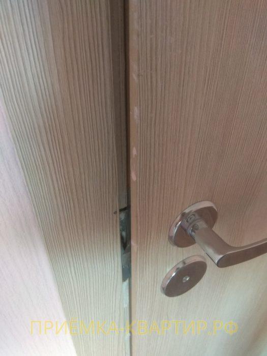 Приёмка квартиры в ЖК О Юность: дверное полотно цепляется о дверную коробку