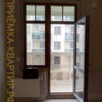 Приёмка квартиры в ЖК Мироздание: Скол на балконной раме двери