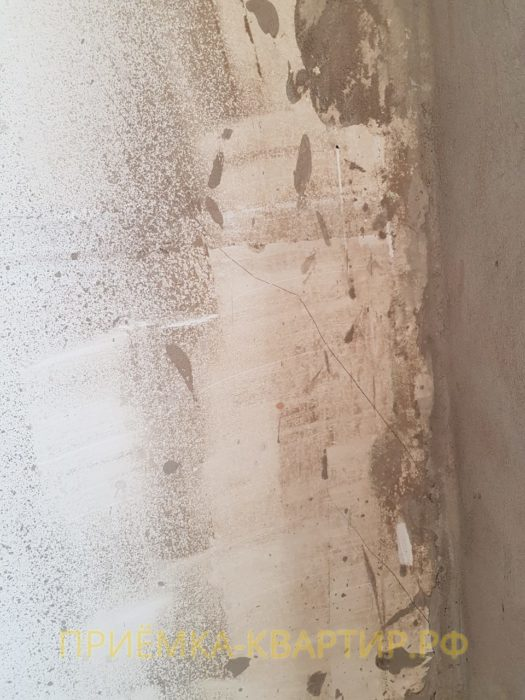 Приёмка квартиры в ЖК Форвард: На примыкании наружных стен и перегородки трещина