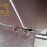 Приёмка квартиры в ЖК Новый Оккервиль: Отлив на балконе, вырезан не ровно