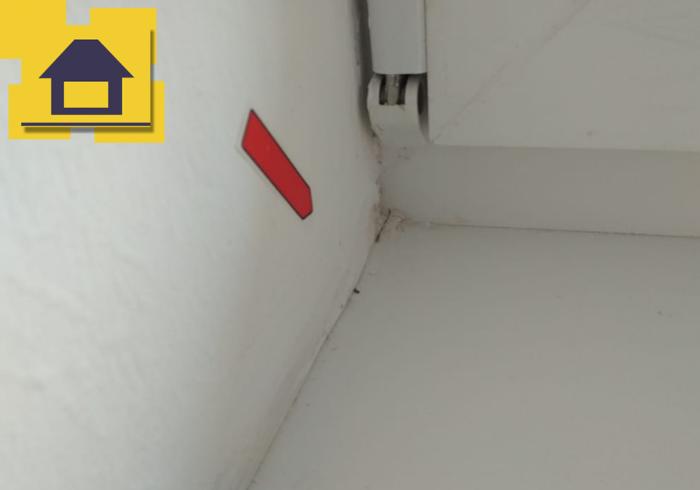 Приёмка квартиры в ЖК Краски Лета: Наплывы шпатлевки по откосам