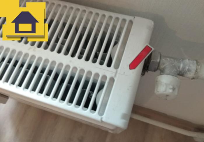 Приёмка квартиры в ЖК Краски Лета: Царапины по радиатору