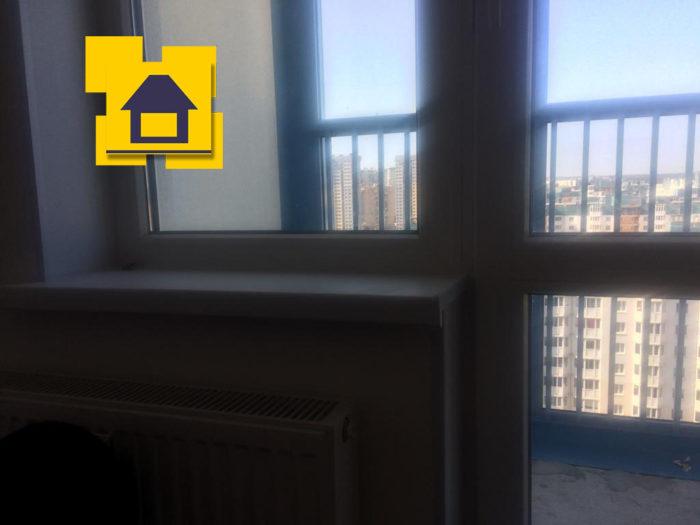 Приёмка квартиры в ЖК Мореокеан: Фото подоконник с уклоном в сторону стеклопакета( не в горизонте)