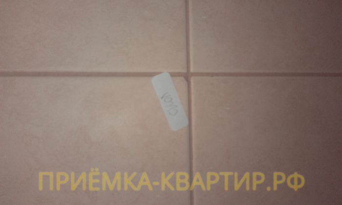 Приёмка квартиры в ЖК Синема: скол на плитке