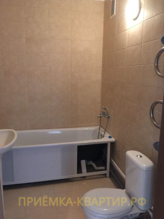 Приёмка квартиры в ЖК Южная Акватория: Не закреплён экран под ванной