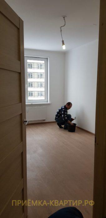 Приёмка квартиры в ЖК Солнечный Город: По всей квартире разошлись швы на обоях