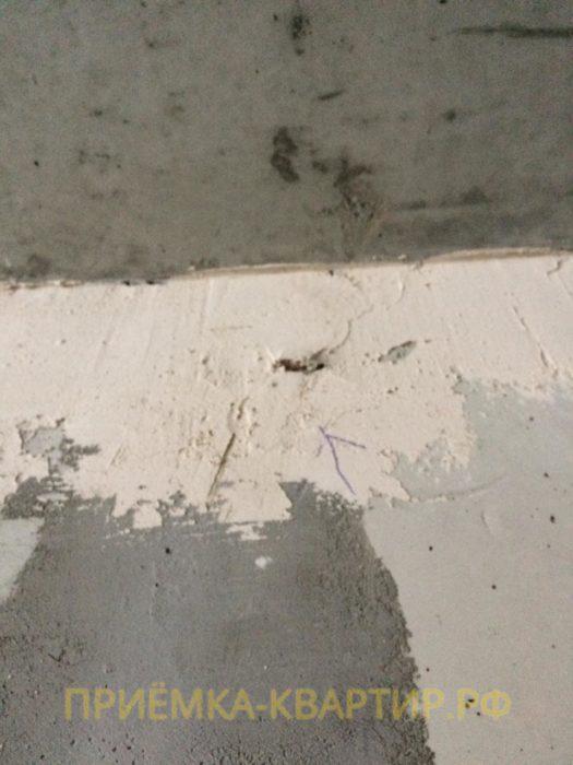 Приёмка квартиры в ЖК Чистый Ручей: Остатки опалубки в монолите