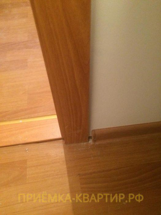 Приёмка квартиры в ЖК Северная Долина: Коротко подрезан плинтус