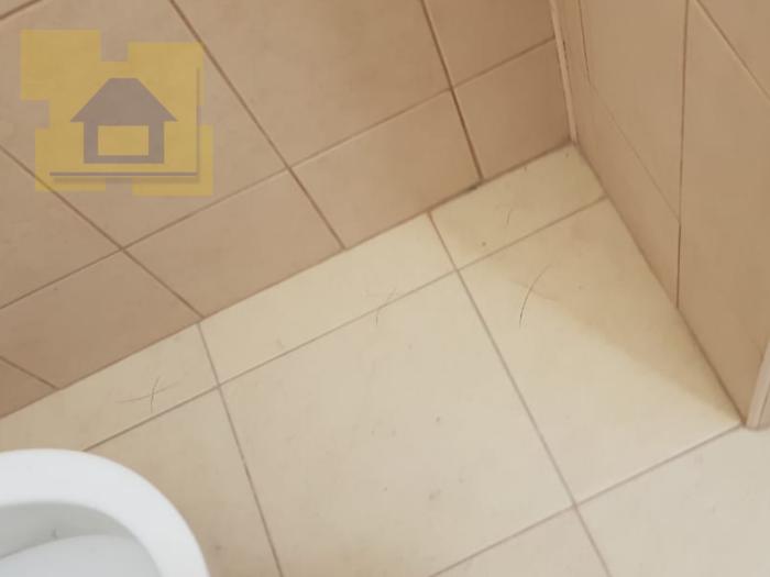 Приёмка квартиры в ЖК Светлановский: Пустоты под напольной плиткой