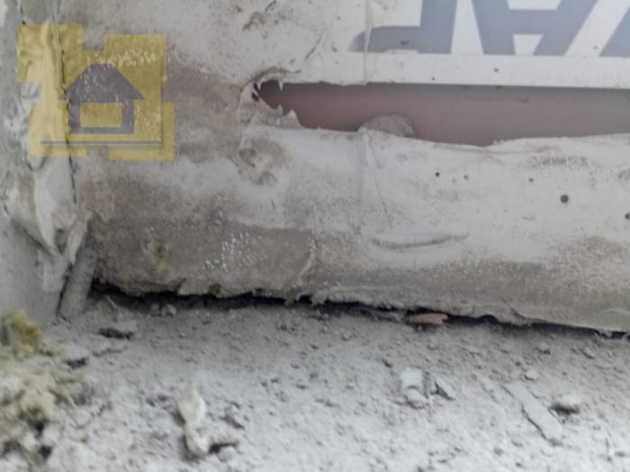 Приёмка квартиры в ЖК Правый Берег 3: Щель в примыкании оконного блока и откоса