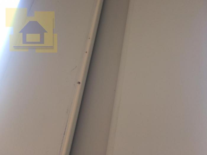 Приёмка квартиры в ЖК Дом на Обручевых: Сколы на профиле окна