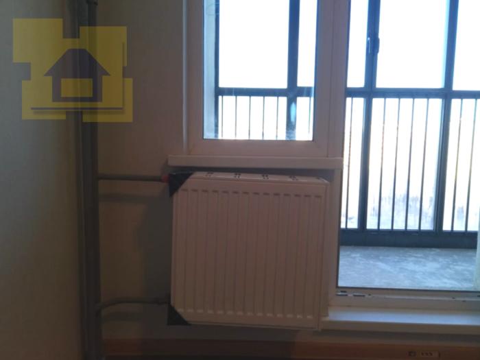 Приёмка квартиры в ЖК Я-Романтик: Не сняты транспортировочные уголки с радиаторов, радиатор установлен криво