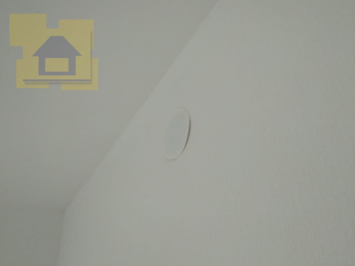 Приёмка квартиры в ЖК Полюстрово Парк: Крышка распределительной коробки выпадает