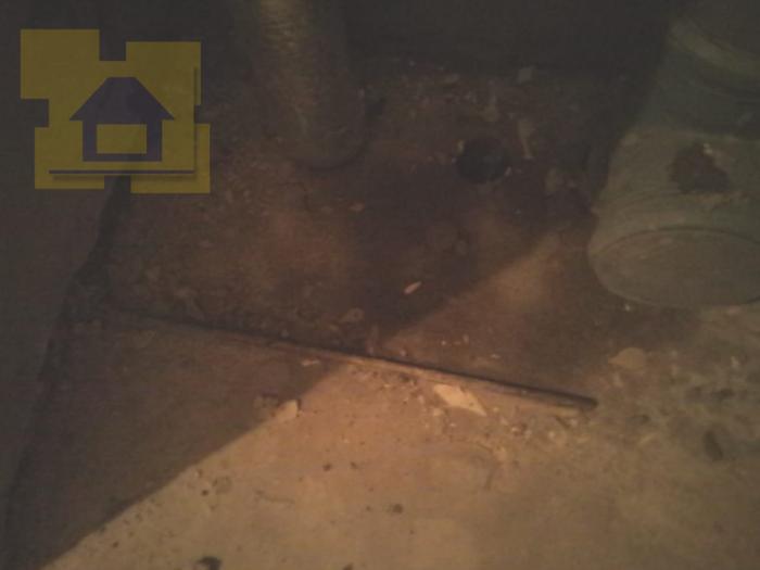 Приёмка квартиры в ЖК Две Столицы: Из стяжки торчит металлический профиль