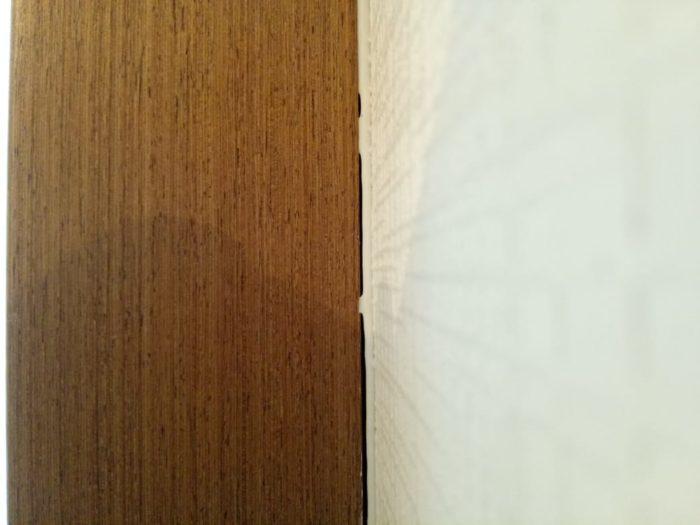 Приёмка квартиры в ЖК Калейдоскоп: Щель между наличником двери и стеной