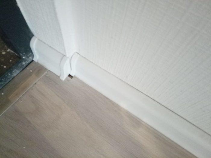 Приёмка квартиры в ЖК Калейдоскоп: Ламинат подрезан коротко, щель