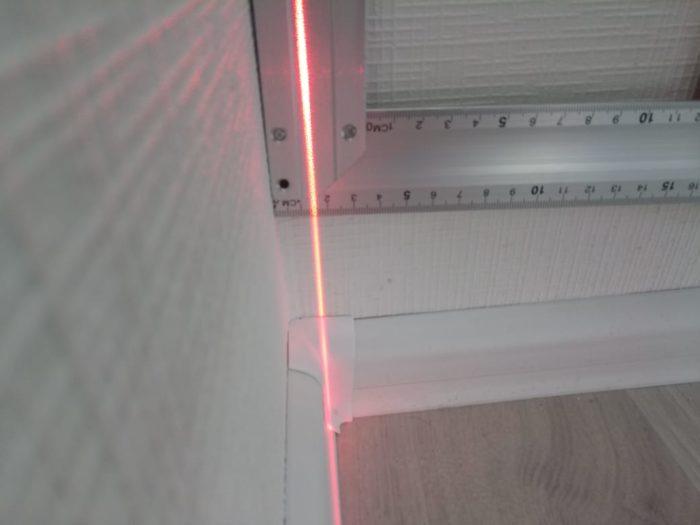 Приёмка квартиры в ЖК Калейдоскоп: На стене перепад по вертикали на всю высоту 15 мм