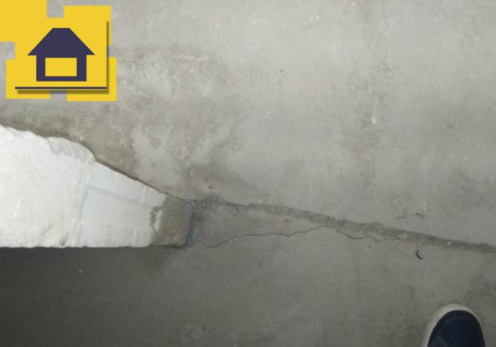 Приёмка квартиры в ЖК : Трещины в стяжке