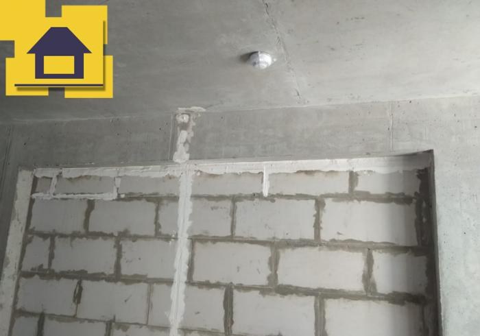 Приёмка квартиры в ЖК : Верхний откос ниши, отклонение от горизонта 40мм